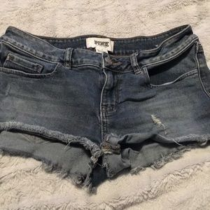 PINK Victoria's Secret jean shorts size 6
